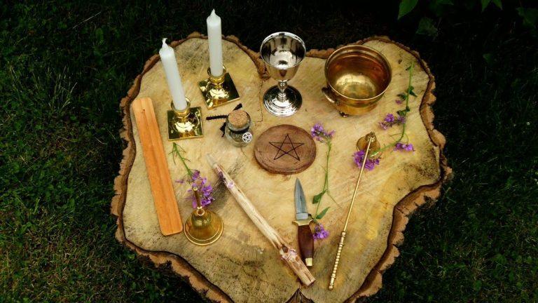 come preparare un altare wicca